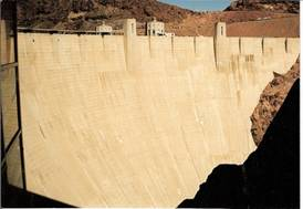 C:\Users\shaun\Documents\memory stick\New folder\New America\web America photos 1\The Hoover Dam - 70 storeys high..jpg
