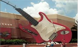 C:\Users\shaun\Documents\memory stick\New folder\New America\web America photos 1\Now this must be the biggest guitar in the world..jpg