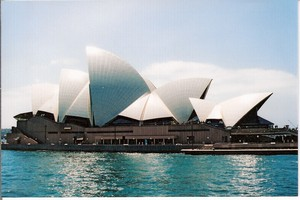 C:\Users\shaun\Documents\memory stick\New folder\New Australia\web australia photos\Sailing past Sydney Opera House..jpg